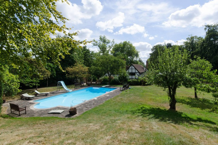 10 London Properties With Swimming Pools From 400k Foxtons Blog News